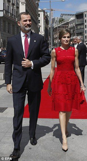 The couple were treated to a red carpet arrival which made for a picture perfect moment when a rouge Letizia stepped out