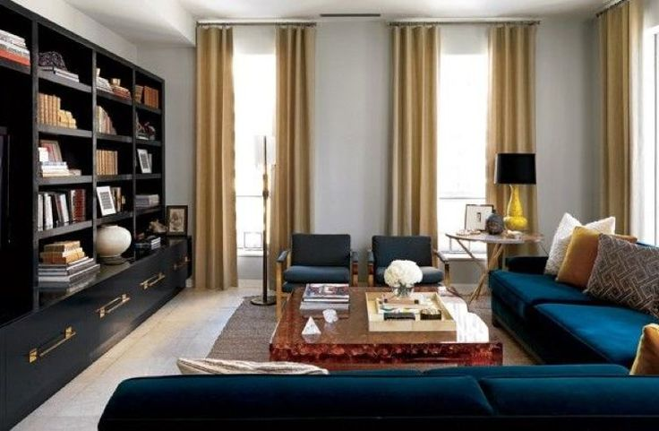 """""""This Chicago high-rise was all about the view and the young family that lives there."""" Nate Berkus"""
