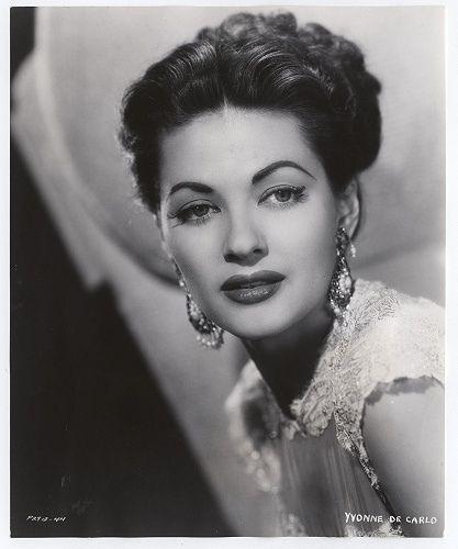 Yvonne de Carlo  <3