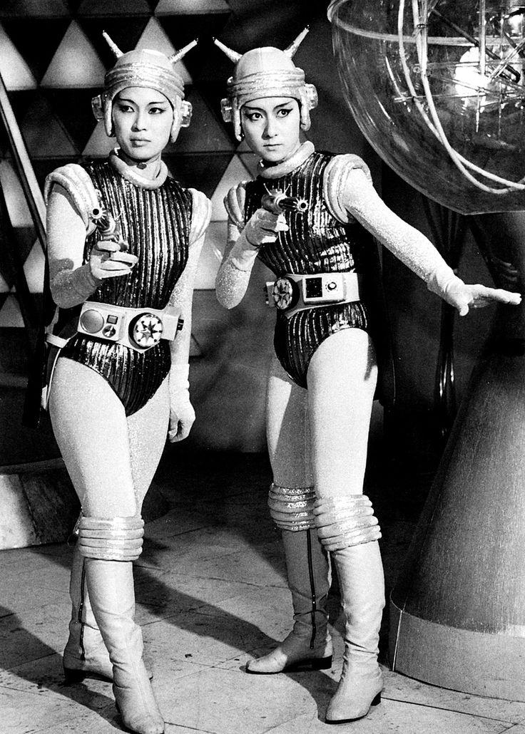 old school sci fi curated by @missmetaverse #retrofuturist #retrofuturism #future #retro #spaceage #oldschoolfuture: