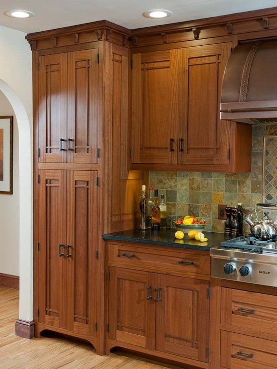 Best 25 craftsman style kitchens ideas on pinterest for Craftsman cabinet plans