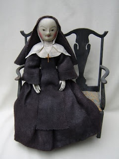 Rare William and Mary nun doll, late 17th century