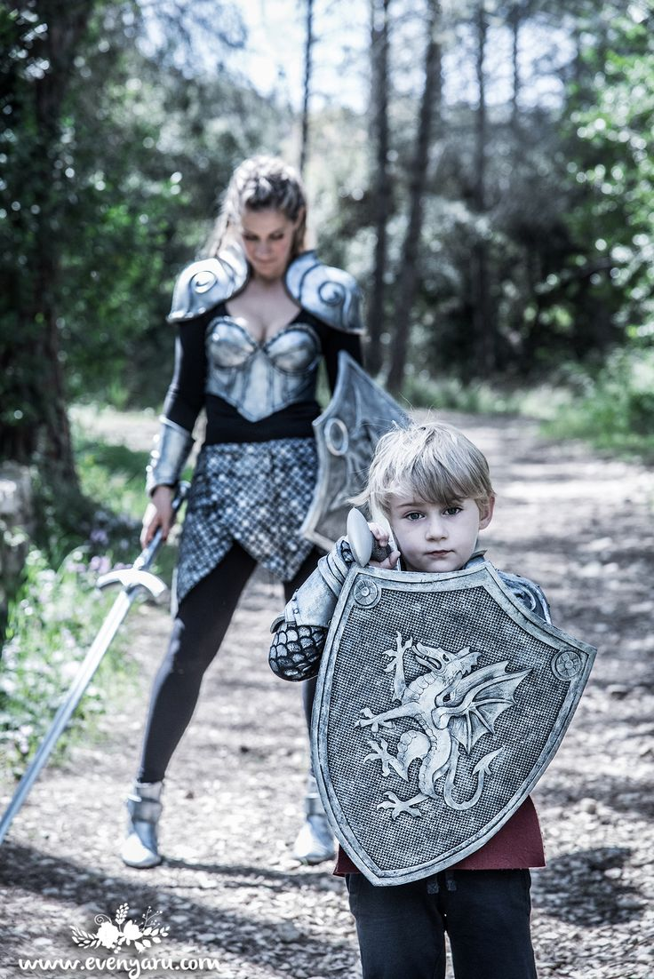 a mother and son DIY knights costumes // www.evenyaru.com