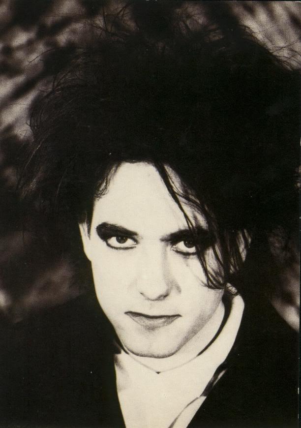 The Cure   ... uno stile di vita, è il cantante del celeberrimo gruppo: The cure