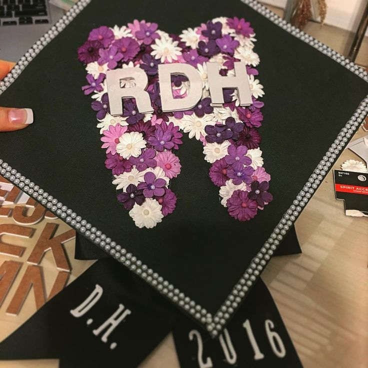 Dental Hygiene Graduation Cap! #flowers #rdh #graduationcap #futuredentalhygienist