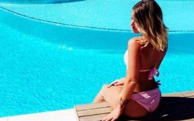 HOT LA FIDANZATA DI NIANG FA IMPAZZIRE IL WEB Si chiama Emilie Fiorelli la nuova fidanzata dell'attaccante del Milan Niang, il calciatore fa goal fuori dal campo questa.   FIDANZATA NIANG –l'attaccante è reduce da un infortunio che lo ha tenu #niang #hot #wags #milan #nuda