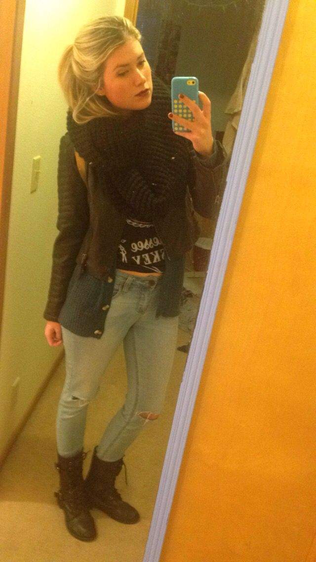 Winter outfit. Sweater, jack Daniels tshirt, jeans, boots, chunky scarve