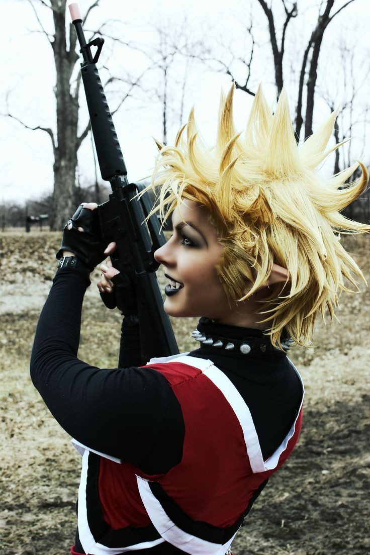 This is a photo of my Genderbend Hiruma Yoichi Cosplay, from the manga/anime, Eyeshield21. An amazing story, if I do say so myself!