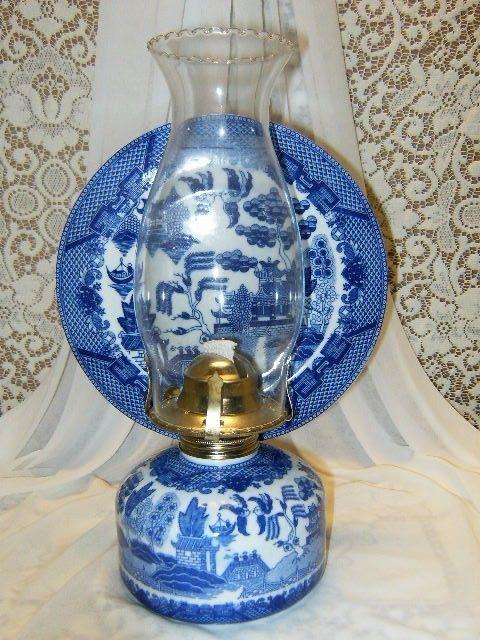 Blue Willow Hurricane Kerosene Oil Lamp Oriental Chinese