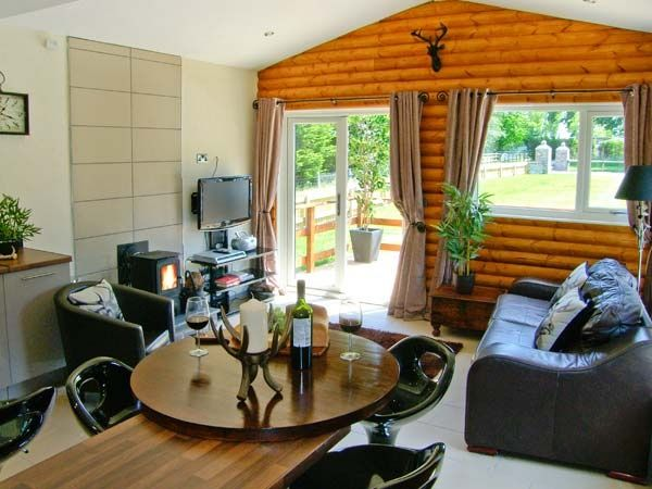 Fallows | St Asaph | St Asaph/llanelwy | Self Catering Holiday Cottage