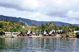 Sumatera Utara : Desa Tomok, Pulau Samosir