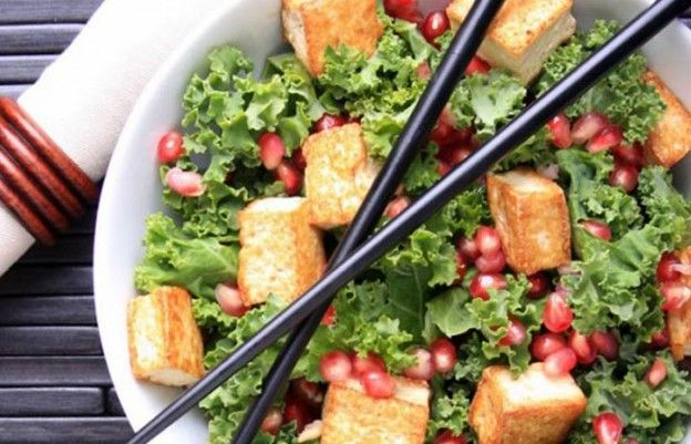 Low Calorie Lunch - Marinated Kale And Chicken Salad