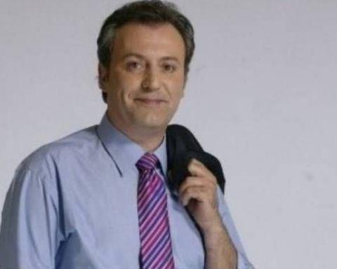 Ο Παύλος Πολάκης έβαλε στην θέση του, τον χυδαίο δημοσογράφο του βοθροκάναλου μέσω Facebook. Ο κ.Οικονόμου προχθές (δειτε εδωΟ Οικονόμου του ΣΚΑΪ προσβάλλει και συκοφαντεί τους σύνεδρους του ΣΥΡΙ…