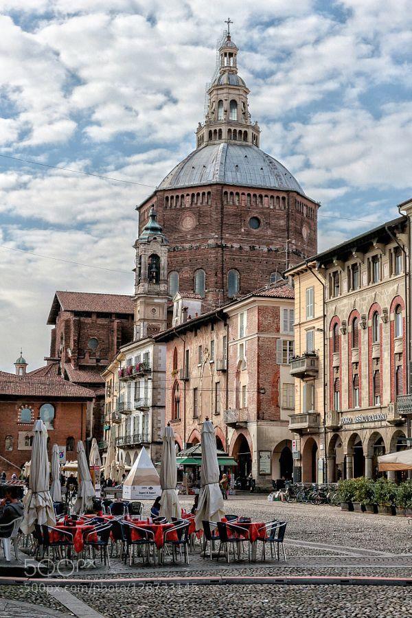 WS - Piazza della Vittoria - Pavia - Italy by SimonaCoccodrilli travel with us at www.pifizone.com
