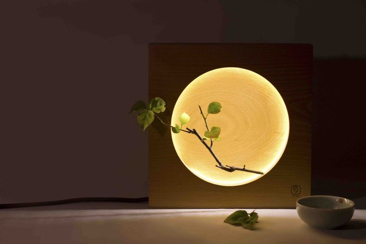 Since ancient times, the moon has been an important symbol in Chinese culture,representing homesickness and reunion.  When turned on, the moon lamp is designedto provide its user with a sense of home and reunion.