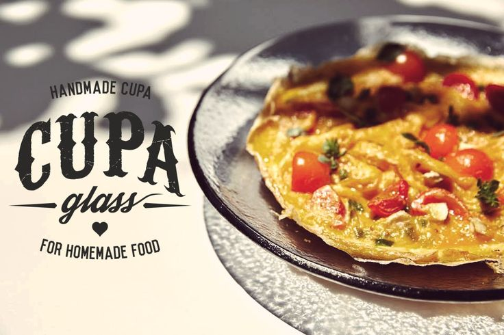 #omelet #plate Handmade glass plate in gray color for casual dining by www.cupa.glass