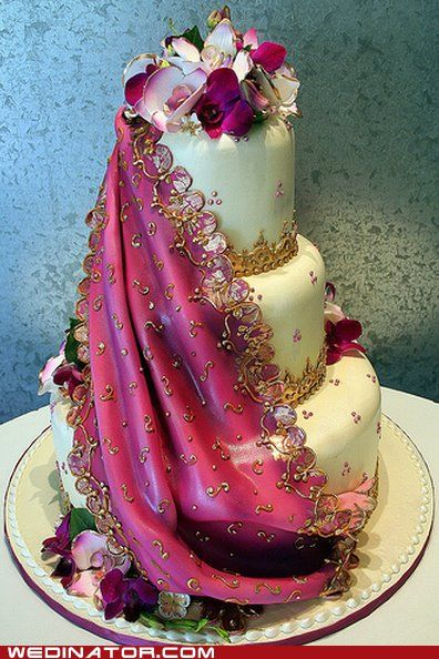 This might be the beat fondant draping I've ever seen!