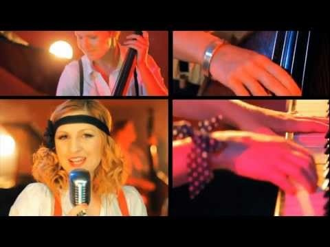 Mrs. Columbo - (re)make up - medley - official video