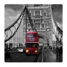 Busz a Londoni hídon falikép