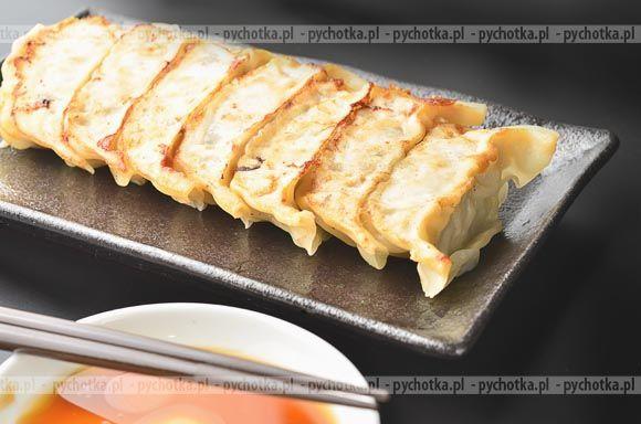 Pierogi  o azjatyckim smaku z mięsem i białą kapustą