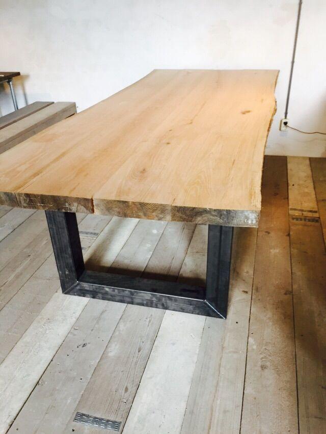 Boomstam tafel | tafel met eikenblad en ijzeren onderstel www.houtenzo.com