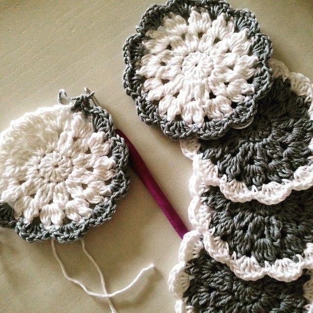lou.teacrochet crochet coasters                                                                                                                                                                                 Mais