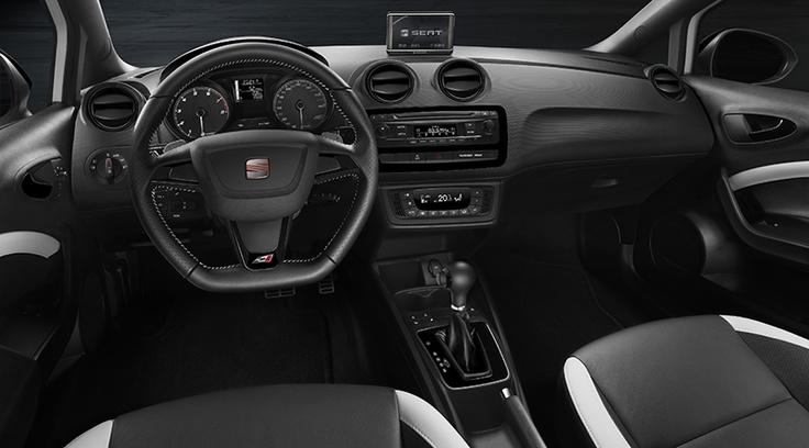 La prima generazione della Ibiza CUPRA è comparsa sulle strade nel 1997, anno in cui sono stati presentati i dinamici modelli CUPRA, subito divenuti un'icona della SEAT, dando così inizio a una storia di successi. Ora, con 180 CV (132 kW) di potenza, cambio DSG con doppia frizione a 7 rapporti, sistema differenziale elettronico XDS, impianto frenante a elevate prestazioni e soluzioni tecnologiche all'avanguardia, la Ibiza CUPRA ne scrive un nuovo capitolo.