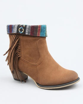 Love these Indian boots