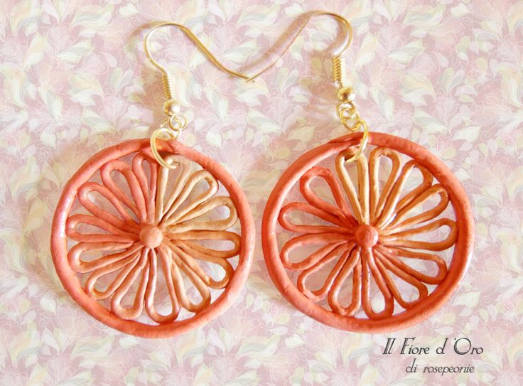 Light fanned earrings that evoke a gerbera's shape in soft, sfumato pastel colors. Casual and merry, they're the perfect accessory for lovers of nature and warm colors. Diameter approx. 1.6 inches.  The possibilities for customization are infinite! For any information, feel free to contact me!