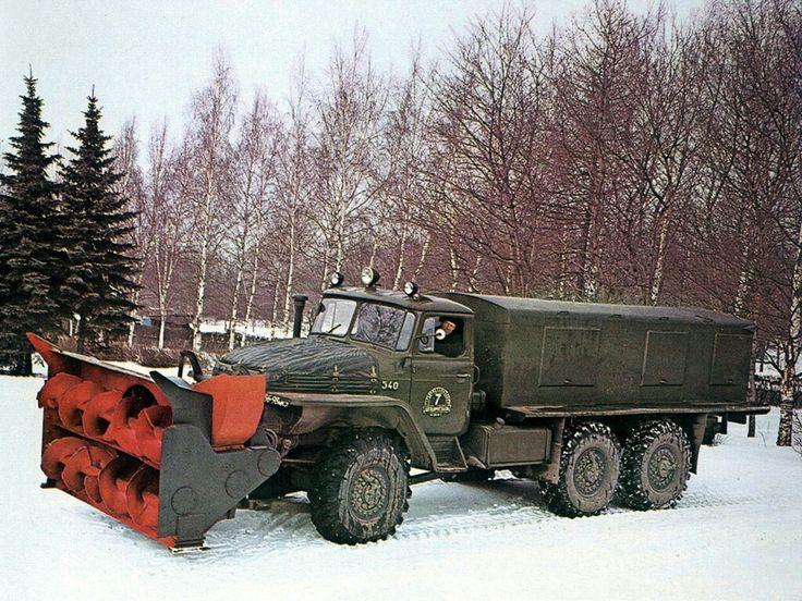 1972-82 Ural 375E D902
