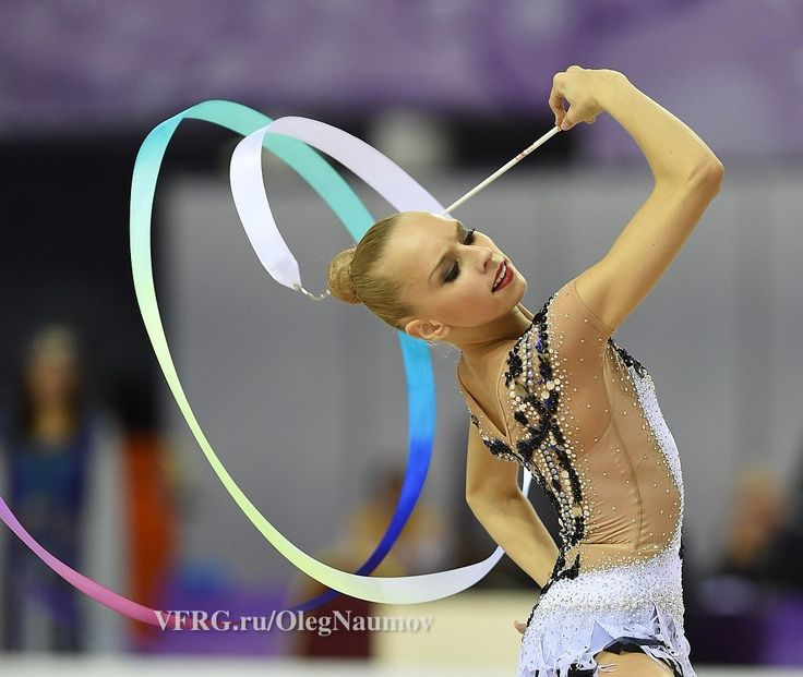 Yana Kudryavtseva, Russia, got 18.183 in ribbon finals World Championship 2014. She is the 2nd in ribbon finals.