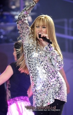 Miley Cyrus performing as Hannah Montana in NY, 2007