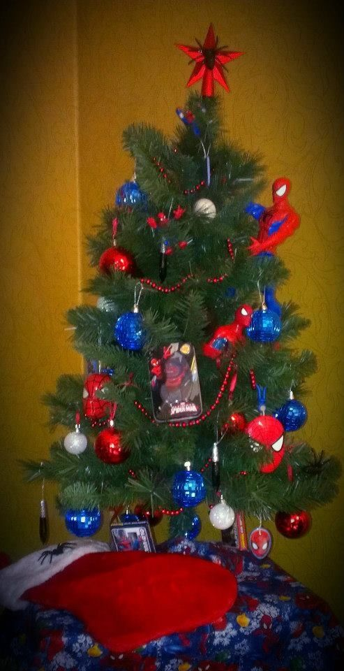 31 best spiderman christmas images on pinterest christmas crafts christmas deco and diy. Black Bedroom Furniture Sets. Home Design Ideas