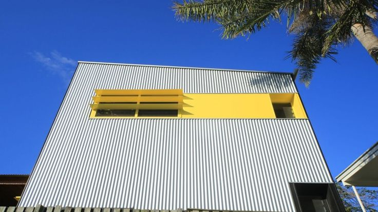 The corrugated-iron, steel-framed granny flat has a beachy vibe.