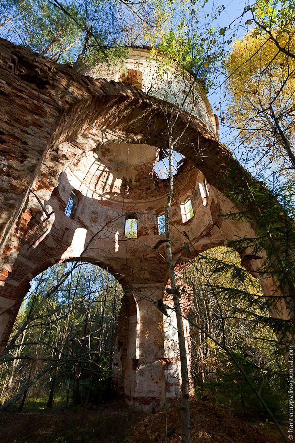 Beautiful ruins of a long abandoned church in Russia.