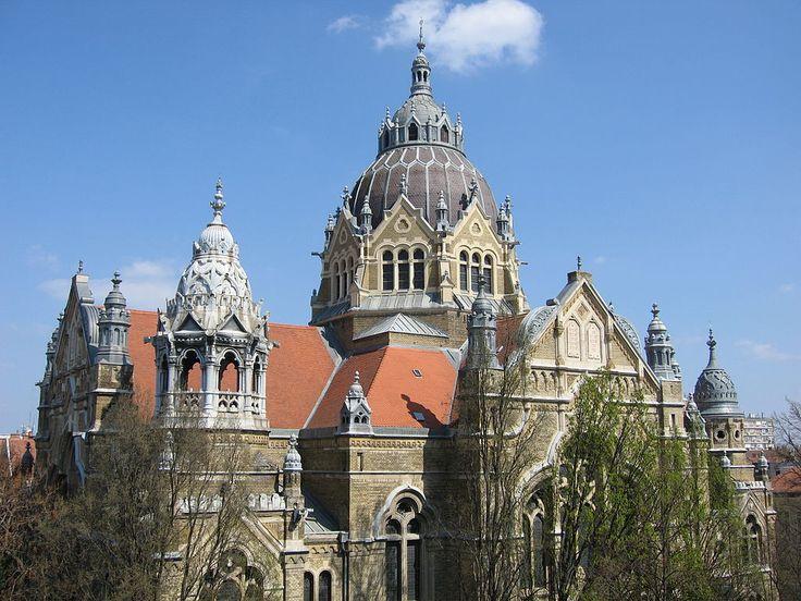 Szeged synagogue SF.jpg
