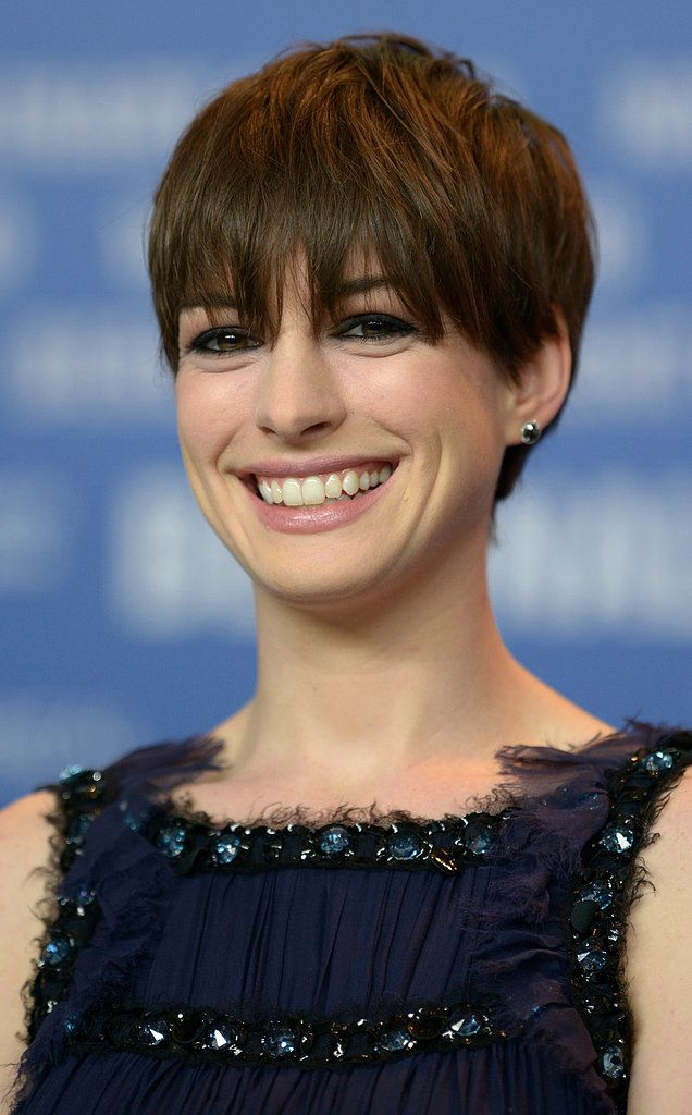 Anne proved that making the switch from side bangs to blunt fringe is easy. She wore her hair combed down into an eye-grazing style for the Berlin Film Festival.
