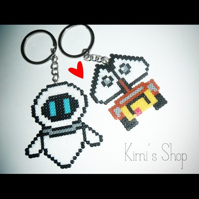 Wall-E & Eve keychains perler beads by Kimi's Shop