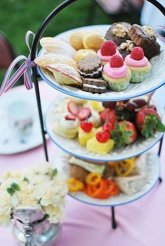 Great idea for my next mother daughter tea time lunch.