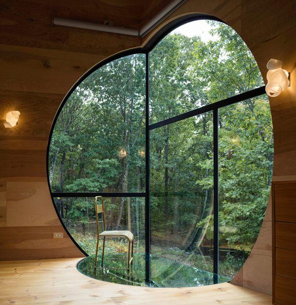 Гостевой дом в лесу по проекту Стивена Холла