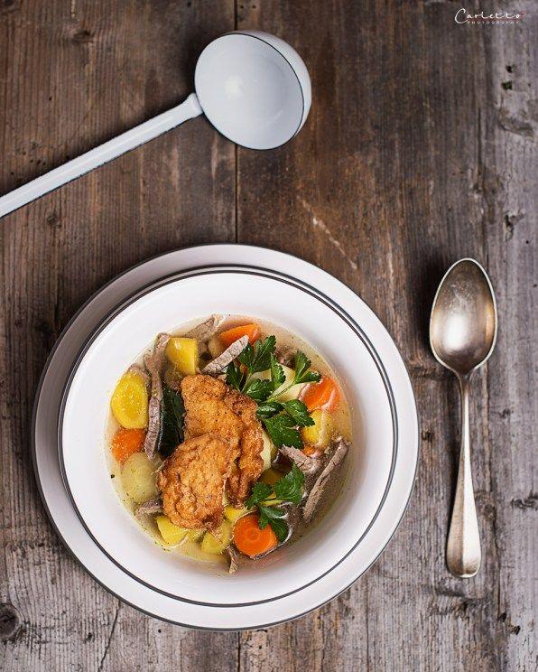 Rindssuppe mit Pofesen, Rindsuppe, Rindssuppe, Pofesen, Gemüse, Suppe, Rindfleisch, Karotten, Rüben, arme Ritter, Vorspeise