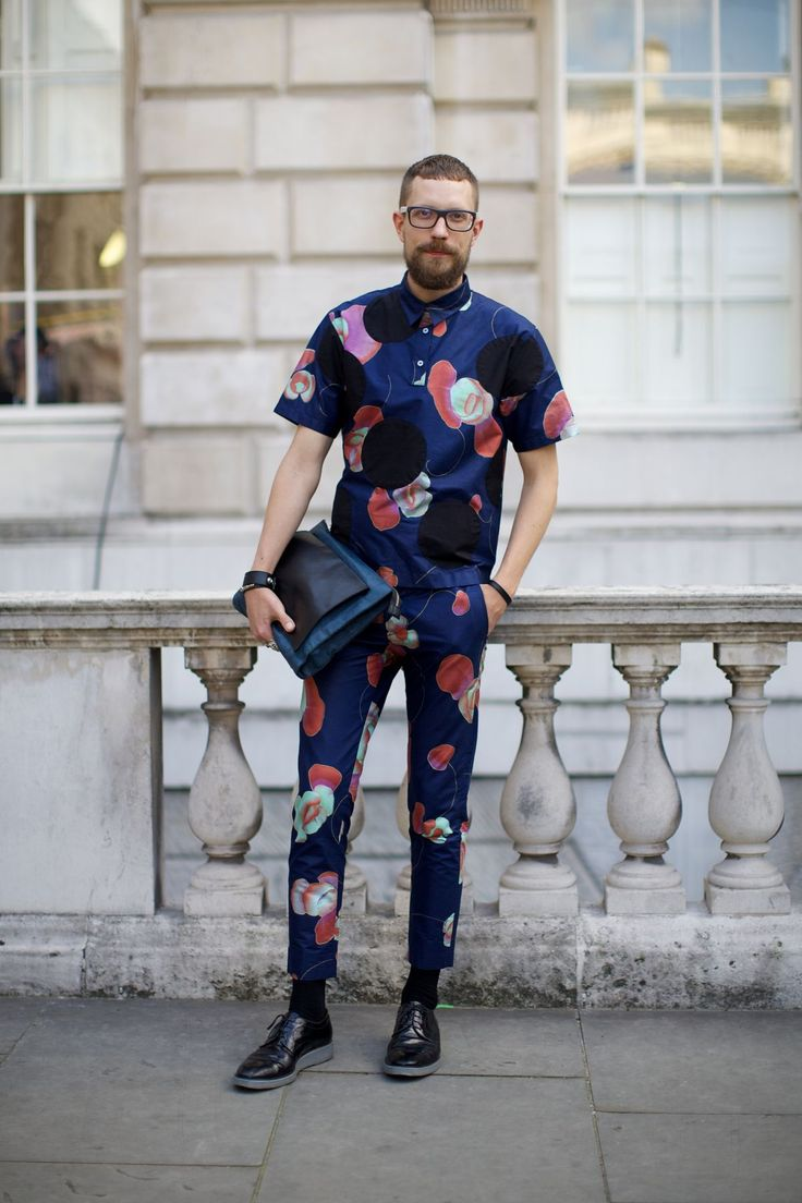 Streetstyle at London Fashion Week for SS 2015