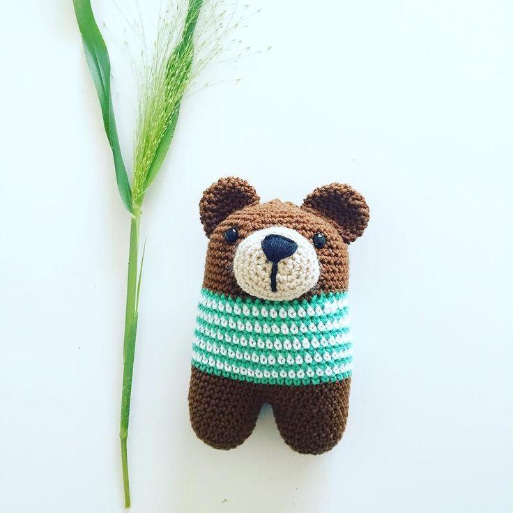 fasters_pind:: Bear rattle En lille rangle til #crochet #crochetaddict #instacrochet #crocheting #crochetlove #bear #rattle #babylove #babytoy #stripes #amigurumi #hækle #hækling #hæklet #hæklerier #hækler #babylegetøj pattern by @lanukas