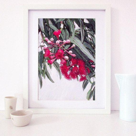 some beautiful Australian Floral Art by @inekedevries35 #bushflower #auswandarrah #etsyau #inthespotlight
