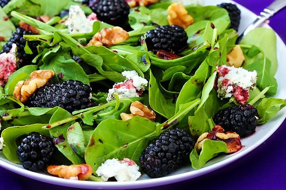 Spinach berry salad with blackberry-balsamic vinaigrette