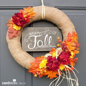 DIY fall wreaths: Wrap a wreath with burlap and decorate with flowers for a beautiful autumn decoration.
