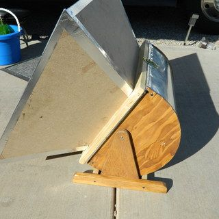 """The """"Solar Baby 2"""" Solar Oven (One of the best DIY ovens I've seen online.)"""