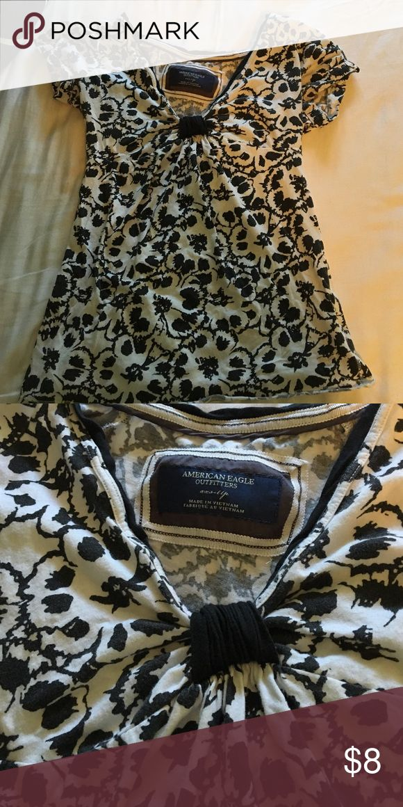 American Eagle shirt American Eagle black and white floral shirt. says xxs but can fit an xs too American Eagle Outfitters Tops Tees - Short Sleeve