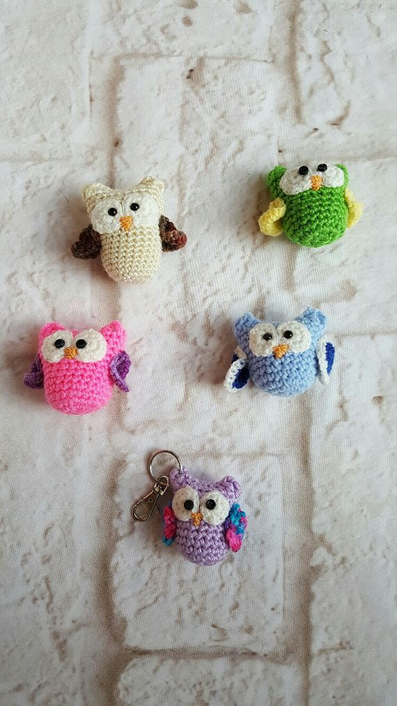 Owl key chain - Key chain - Crochet owl key chain - Crochet owl - Handmade owl - Crochet - Miniature owl - Owl - Handmade keychain by bellafarfallaboutiqu. Explore more products on http://bellafarfallaboutiqu.etsy.com