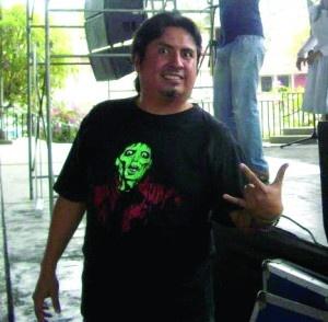 El reconocido promotor artístico, Alfredo Jadán está feliz y agradecido con Dios porque le va muy bien en su carrera profesional y como parte de la primera agencia de talentos escénicos del país, conocida como 'Platino Art Business del Ecuador'. http://www.elpopular.com.ec/76102-alfredo-jadan-cree-en-el-arte.html